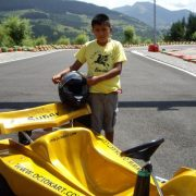 kart modelo super junior amarillo