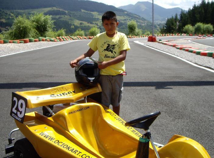 kart modelo super junior amarillo